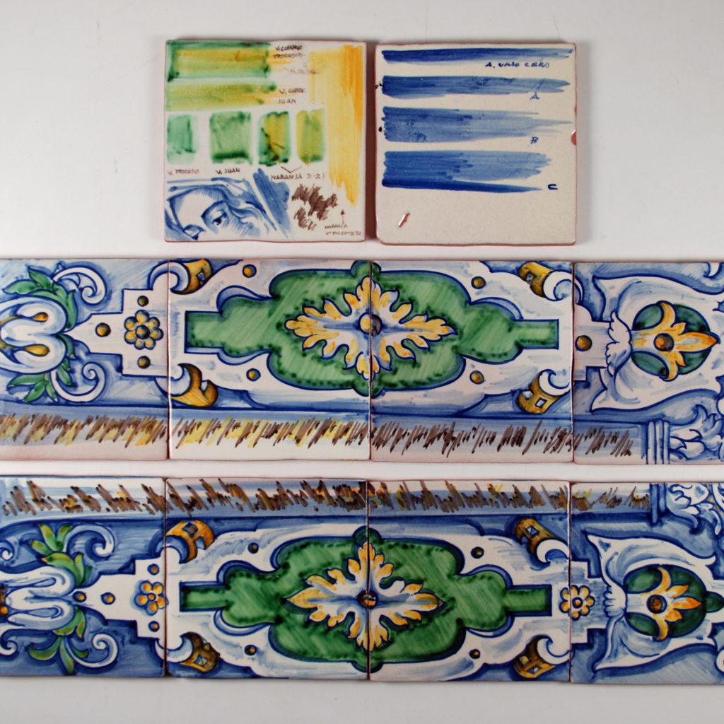 Pruebas De óxidos Azul Cobalto, Verde Cobre Y Marrón Manganeso En Azulejos Sobre Cubierta  De Estaño Arena Y Plomo.